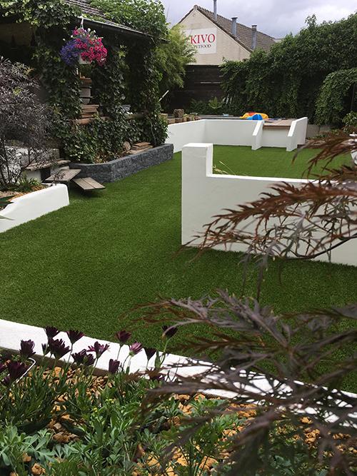 Stijlvolle tuin met kunstgras