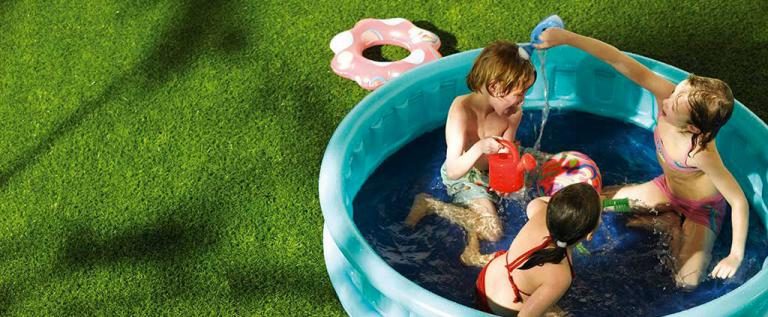 Kunstgras zwembad-1024x550